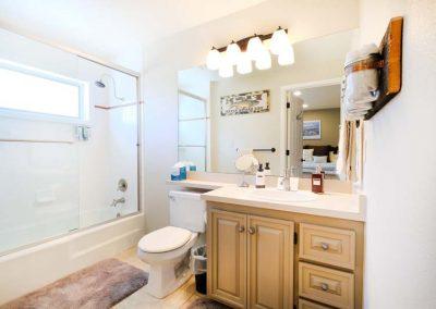 Yampa River Bathroom Lodge Bella vista 400x284 - Home Interior