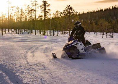 Bella Vista snowmobile 01 400x284 - Steamboat