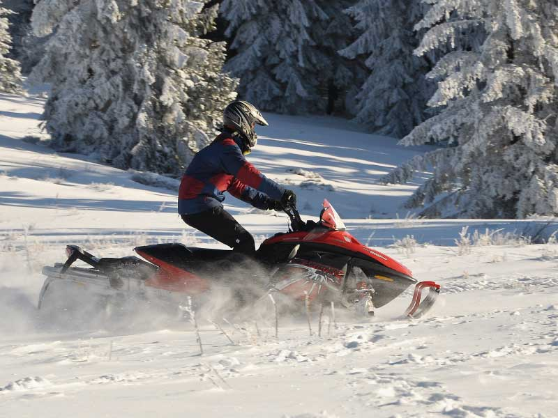 Bella Vista snowmobile 02 - Snowmobiling