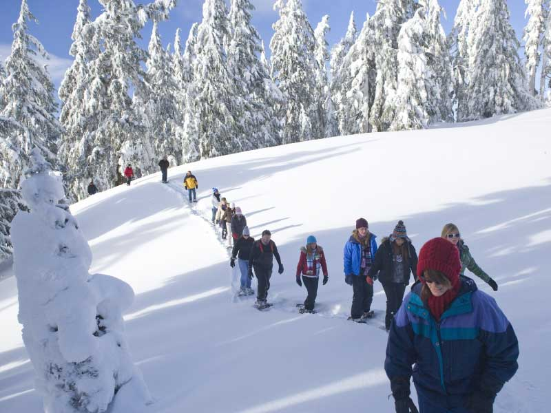 Bella Vista snowshoeing 01 - Snowshoeing