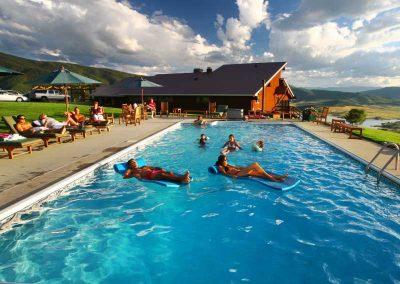 Bella Vista swimming 01 400x284 - Steamboat