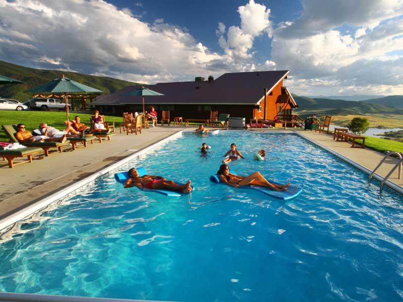 Bella Vista swimming 01 - Swimming
