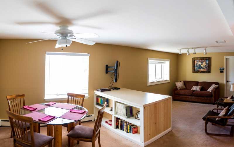 Living Room Lower Cottage Bella Vista 1 - Cottages