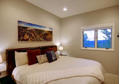 Flat Tops Bedroom Overlook 400x284 - Home Interiors