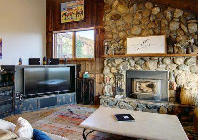 Great Room Gather At Bella Vista 400x284 - Home Interiors