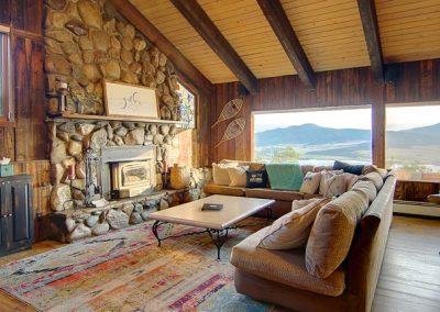 Great Room Lodge At Bella Vista 400x284 - Home Interiors