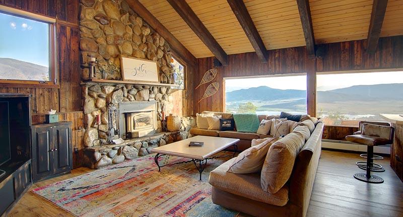 Great Room Lodge At Bella Vista 400x284 Home Interiors