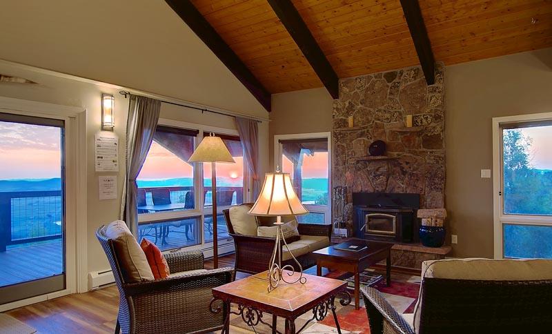 Overlook Living Room Bella Vista 400x284 Home Interiors