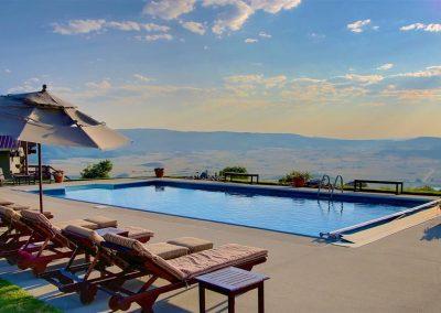 Poolside Fun Bella Vista Steamboat Colorado 400x284 - Summer