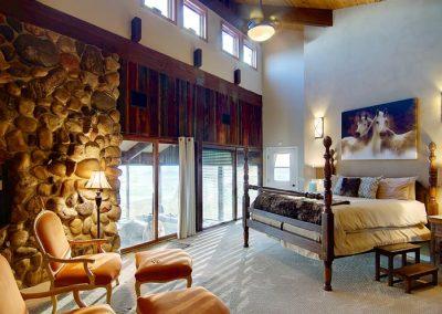 Sleeping Giant Master Bedroom Bella Vista 400x284 - Home Interiors