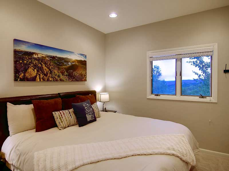 Bella Vista accomodation flattops room new - Overlook